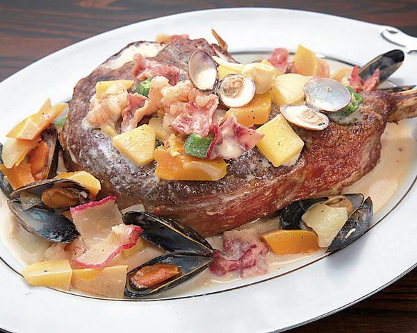 しずおか和牛のソテー 旬の野菜と魚介のソース